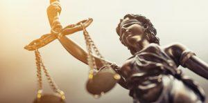 Rechtsanwältin und Rechtsanwalt sind ihren Mandanten verpflichtet.